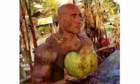 Amokrane Sabet, Bule Sableng Pembuat Onar di Bali