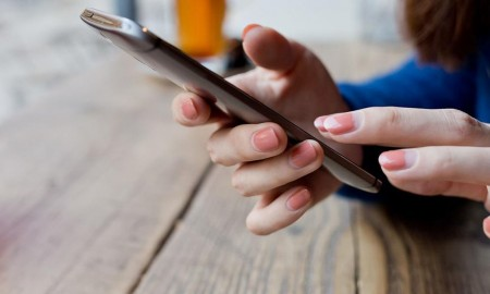 Cara Mengatasi Smartphone Android yang Mati Total