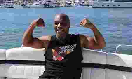 Lama Tak Terdengar Kabarnya, Kini Mike Tyson Jualan Baju