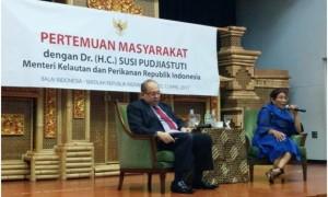 Menteri Susi Pudjiastuti dan Berantas Illegal Fishing