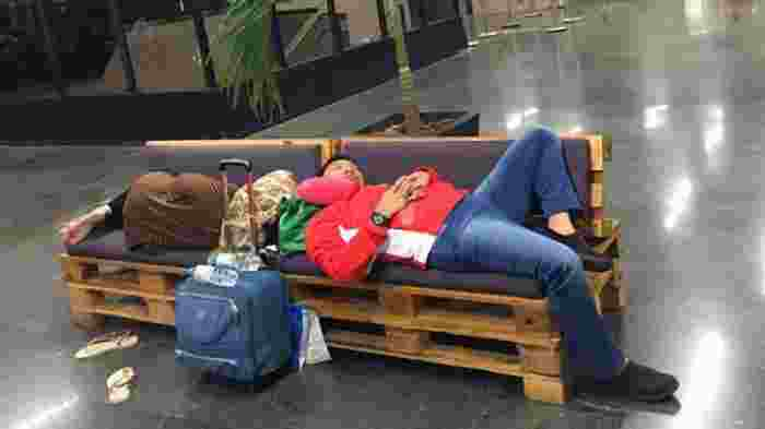 Benarkah Hanya Pencitraan Deretan Menteri Jokowi Tertidur Lelap di Bangku5