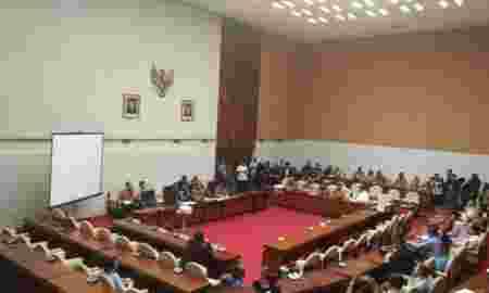 Pansus Lain Terbengkalai Akibat DPR Terlalu Sibuk Angket KPK