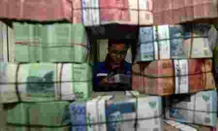 Setiap Orang Indonesia Menanggung Beban Hutang Rp16 juta