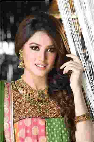 Intip Yuk, Ini Wanita-Wanita Tercantik di Pakistan2