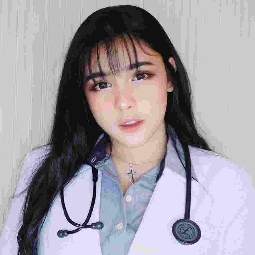 Menda Suci Ananta, Beauty Vlogger Cantik yang Ternyata Calon Dokter1