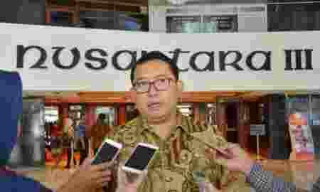 Wakil Ketua DPR, Fadli Zon Dukung Rencana MUI Boikot Starbucks