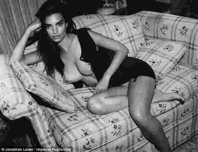 foto-foto-telanjang-emily-ratajkowski-bikin-heboh-netizen3