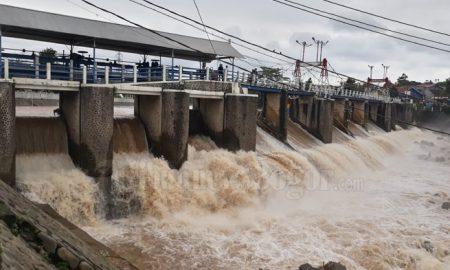 Perlahan Banjir Bendung Katulampa Bogor Semakin Surut