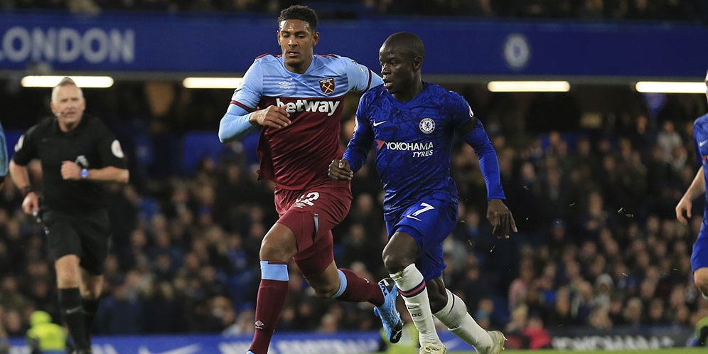 Chelsea merupakan salah satu tim kejutan di Premier League ...
