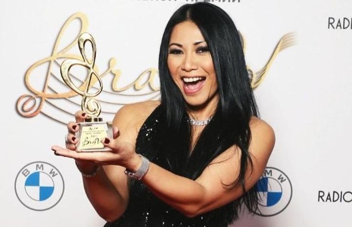 Anggun Terima Penghargaan Bergengsi di Music Award Rusia ...